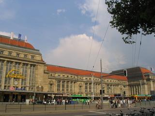 Leipziger Hauptbahnhof - Landeskunde, Sachsen, Leipzig, Kopfbahnhof, reisen, verreisen, Urlaub, Ausflug, Fassade