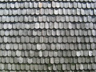 Holzschindeln - Schindeln, Hauswand, Wetterseite, verwittert, Lärche, Holzschindeln, Witterungsbeständigkeit, Verwitterung, Struktur, Muster, Grautöne, grau, Ordnung, Reihe