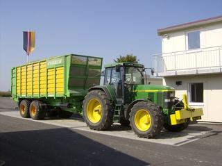 Biogasanlage #1 - Traktor, Trecker, Anhänger, Biomasse, Anlieferung, Waage, Biogasanlage, Brückenwaage, Brutto, Netto, Tara, Landwirtschaft