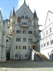 Schloss Neuschwanstein - Neuschwanstein, Allgäu, Bayern, Ludwig II, Architektur, Schloss, König, Vorhof, Historismus
