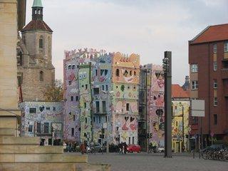 Rizzi-Haus Braunschweig #1 - Popart, Farbe, schief, bunt, Haus, Rizzi, Architektur