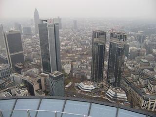 Blick auf Hochhäuser von Frankfurt/M - Hochhäuser, Bankenviertel, Finanzzentrum, Frankfurt/M