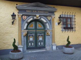 Tür vom Haus zum Sonneborn  - Renaissance, Erfurt, Thüringen, Tür, Eingang, Hauseingang, Tor