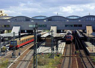 Hauptbahnhof Potsdam - Verkehr, Bahnhof, S-Bahn, Regionalzug, Gebäude, Schienen, Zug, Bahn