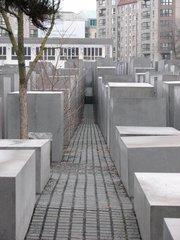 Berlin - Holocaust-Mahnmal - Mahnmal, Stelen, Quader, Gassen, Juden, Berlin, Architektur, Holocaust, Steinblock, Denkmal, Judenvernichtung, Nationalsozialismus, Brandenburger Tor