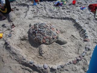 Schildkröte aus Sand - Schildkröte, Strand, Sand, spielen, bauen, gestalten