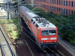 Regionalexpress - Regionalexpress, Zug, Schienen, Abfahrt, Stromleitung, Elektrizität