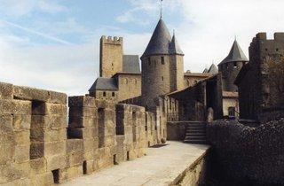 Carcassonne - Teilansicht der Stadtmauer II - Carcassonne, Stadtmauer, Mittelalter, Turm, Zinnen
