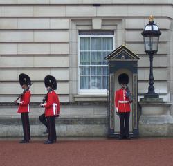 Wachablösung in London - London, Buckingham Palace, Queen, Guard, Wache