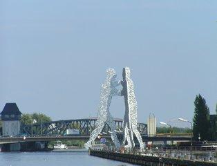 Molecular Men - Berlin, Treptow, Molecular Men, Skulptur