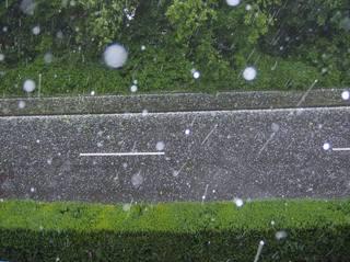 Hagel - Hagel, Wetter, Eis, Niederschlag, Eisklumpen, Eishagel, Schloße, Hagelkorn
