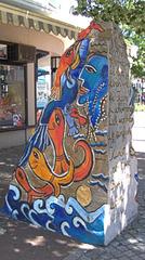 Uelzen - Weg d. Steine - Stein d. Fische - Stein, Skulptur, Kunst, Kunstobjekt, Plastik, Farbe, farbig, bunt