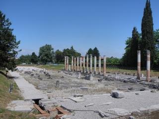 Aquileia - Forum Romanum #1 - Italien, Römer, Ausgrabung, Ausgrabungen, Säulen, Relikt, Forum, Arena