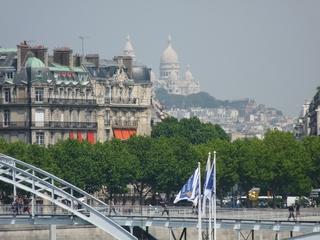 Eine Sicht von Paris  - Paris, Frankreich, Stadt, Gebäude, Häuser, Metallbrücke, modern, Renaissance, Montmartre, Sacre Coeur, Hügel