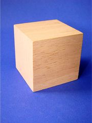 Würfel - Geometrie, geometrisch, Körper, Würfel, gleichseitig, Hexaeder, Polyeder, quadratisch, Prisma, punktsymmetrisch, Kubus, cuboid, dice, Ecke, Kante, Fläche, Holz, Oberfläche, Mantelfläche, Volumen