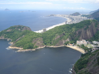 Blick auf die Copacabana - Zuckerhut, Pao de Acucar, Rio de Janeiro, Rio, Brasilien, Copacabana, Strand, Küste, Atlantik, Favelas, Princesinha do Mar, Vergnügungsviertel