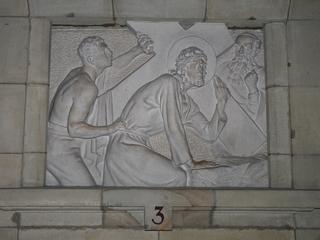Kreuzweg 3 - Religion, Kreuzweg, Skulptur, Jesus, Kreuz, katholisch, Station, Kreuzwegstation, Leidensweg