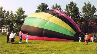 Ballonfahrt #5 - Ballon, Ballonfahrt, Heißluft, Heißluftballon, Auftrieb, Luft, fliegen, bunt, Feuer, Korb