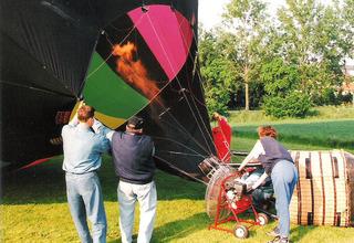 Ballonfahrt #6 - Ballon, Ballonfahrt, Heißluft, Heißluftballon, Auftrieb, Luft, fliegen, bunt, Feuer, Korb