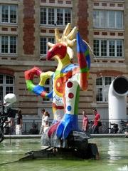 L'oiseau de feu (1983) - Niki de Saint Phalle, Paris, Stravinskibrunnen, Kunst, Figur, Skulptur, Plastik, bunt, groß, Vogel