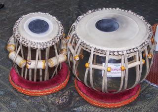 Tabla #2 - Tabla, Trommel, spielen, schlagen, zwei, rund, Holz, Ton, Ziegenfell, Fell, Bespannung, Indien, Musik, Musikinstrument