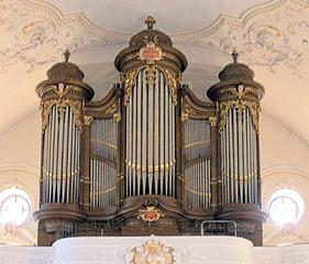 Orgel - Orgel, Kirche, Musik, Musikinstrument, Gottesdienst, Pfeifen, Töne, Instrument, Wind, Luftstrom, Spieltisch, Empore, Organist, Register, Lieder, Konzert