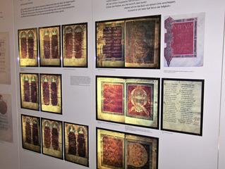 Stiftsbibliothek St. Gallen/CH - Kostbarkeiten - Bibliothek, Bücher, Kloster, Benediktiner, Ausstellung, Folianten, Handschriften, Initiale