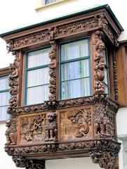 Erker - Erker, Fenster, schnitzen, Holz, Handwerk, Kunstwerk, Geschichten, Engel, Putten, Figuren, Schnitzerei, alt, Kunst