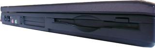 Notebookbestandteile #09 - Informatik, Notebook, Rechner, Laptop, tragbar, Anschlüsse, Seitenansicht, Diskettenlaufwerk, LAN, Modem