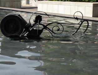 der Fastnachtsbrunnen - Basel #4  - Jean Tinguely, Basel, Fastnachtsbrunnen, Kunst, Künstler, Plastik, Skulptur, Wasser, Leute