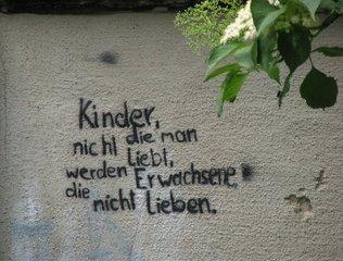Graffiti - Kinder, lieben, Erwachsene, Graffiti, Ethik, Meinung