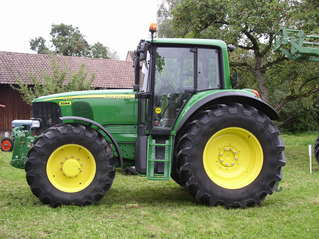 Traktor - modern - Landwirtschaft, Bauer, Feldarbeit, Fahrzeug, Traktor, neu