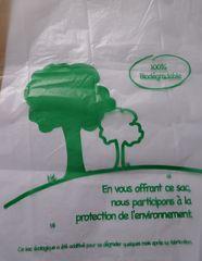 Aufschrift  französischer Plastikbeutel #1 - biodégradable, Plastik, Plastikbeutel, sachet, plastique, Umwelt, Ökologie