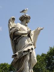 Rom - Engelsbrücke #2 - Italien, Rom, Brücke, Steinplastik, Skulptur, Engelsbrücke, Möwe, Engel, herunterschauen, Vogel