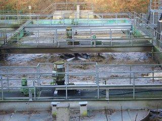 Belebtbecken - Kläranlage, Wasserreinigung, Belebtbecken, Sauerstoff, Sauerstoffzufuhr, Bakterien, Belebtschlammverfahren