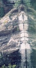 Spiegelbild - Spiegelung, Achsenspiegelung, Wasser, Steinbruch, Totempfahl, Stein, Granit, Meditation, Schreibanlass, Rätsel