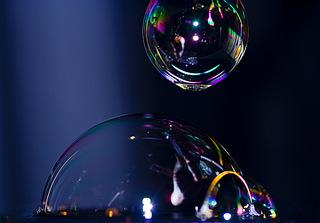 Seifenblasen - Seifenblase, Tenside, Oberflächenspannung, Membrane, Brechung, Meditation, Schreibanlass, schillern, Blase, Kugel, Halbkugel, Phantasie