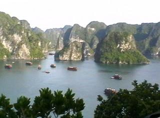 Ha Long-Bucht - Asien, Vietnam, Ha Long-Bucht, UNESCO, Weltnaturerbe, mystische Bucht, Dschunkentour, Felsen, Kalkstein