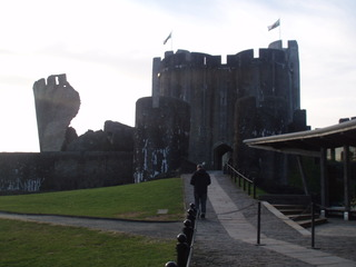 Caerphilly Castle Wales - Caerphilly Castle, Turm, Wales, Ringburg, Burg
