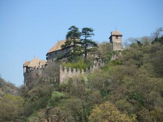 Schloss Runkelstein - Schloss, Burg, Architektur, Südtirol, Italien, Bozen, Mittelalter, Zinnen