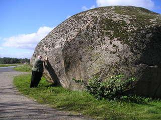Findling in Schweden - Findling, Eiszeit, Schweden, magmatische Gesteine, Gletscher, Stein, dick, schwer