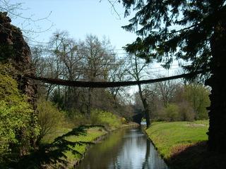 Kettenbrücke im Wörlitzer Park 1  - Brücke, Hängebrücke, Ketten, Gliederketten