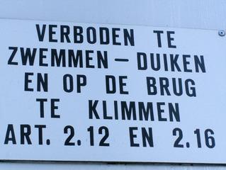 Niederländisches Hinweisschild - Niederländisch, Hinweis, Schild, Verbot, Niederlande, Holland, Brücke