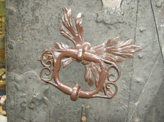 Türverzierung - Tür, Eingangstür, Haustür, Eisen, alt, Rost, Kratzer, Verzierung, Tor