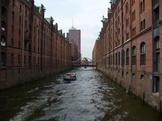 Hamburg - Gebäude, Lagerhäuser, Haus, Wasser, Speicherstadt, Kanal, Fluchtpunktperspektive