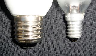 Gewinde einer Glühlampe - Gewinde, Schraubgewinde, Sockel, Lampe, Birne, Glühbirne, Glühlampe, Licht, Leuchte, E27, E14, groß, klein, dick, dünn