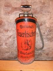 Historischer Feuerlöscher - Feuerlöscher, Feuer, historisch, Kleinlöschgerät, Ablöschen, Kleinbrand, Entstehungsbrand, Löschmittel, Pumpe, Handpumpe