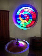 Kirche Bärnbach 4 - Hundertwasser, Kirche, Bärnbach, Taufe, Spirale, Lebensspirale, Fenster, Glasfenster
