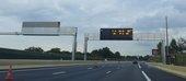 Enseignes sur autoroute en France