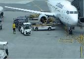 Beladen eines Flugzeugs